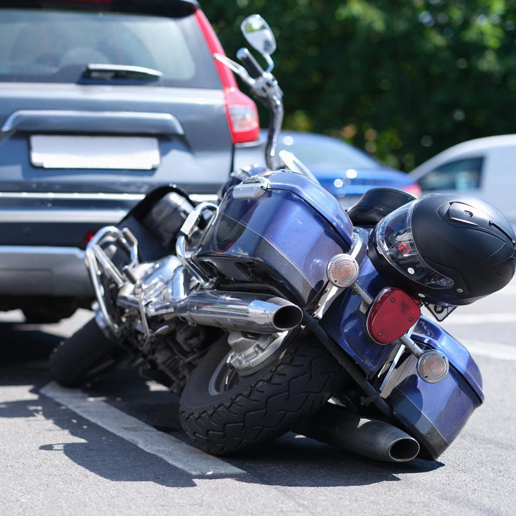פיצויים על תאונת אופנוע – המדריך המלא